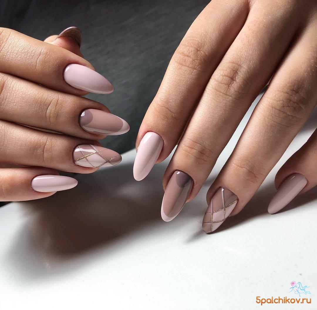 Нежный сложный дизайн ногтей в пастельных тонах