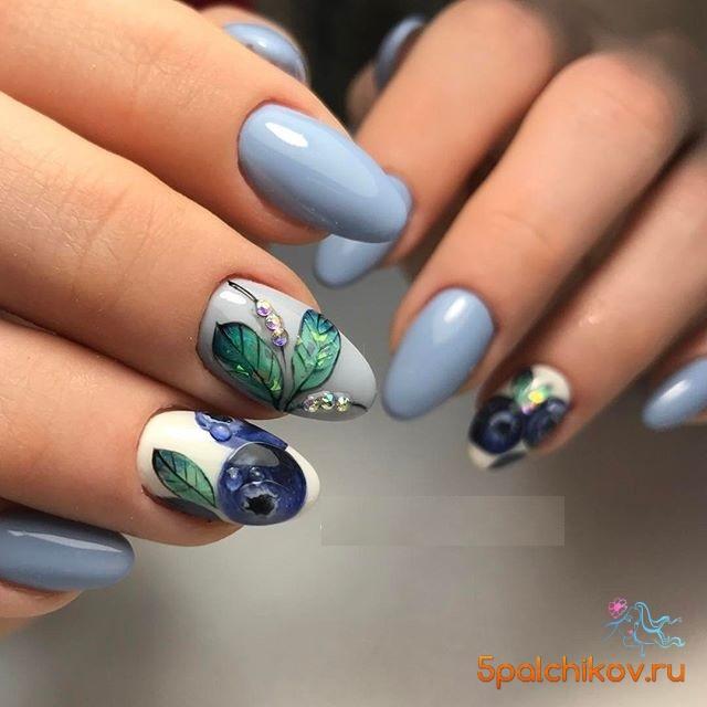Дизайн ногтей с ягодами