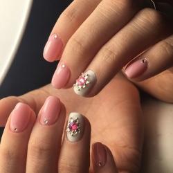 Звезда на ногтях