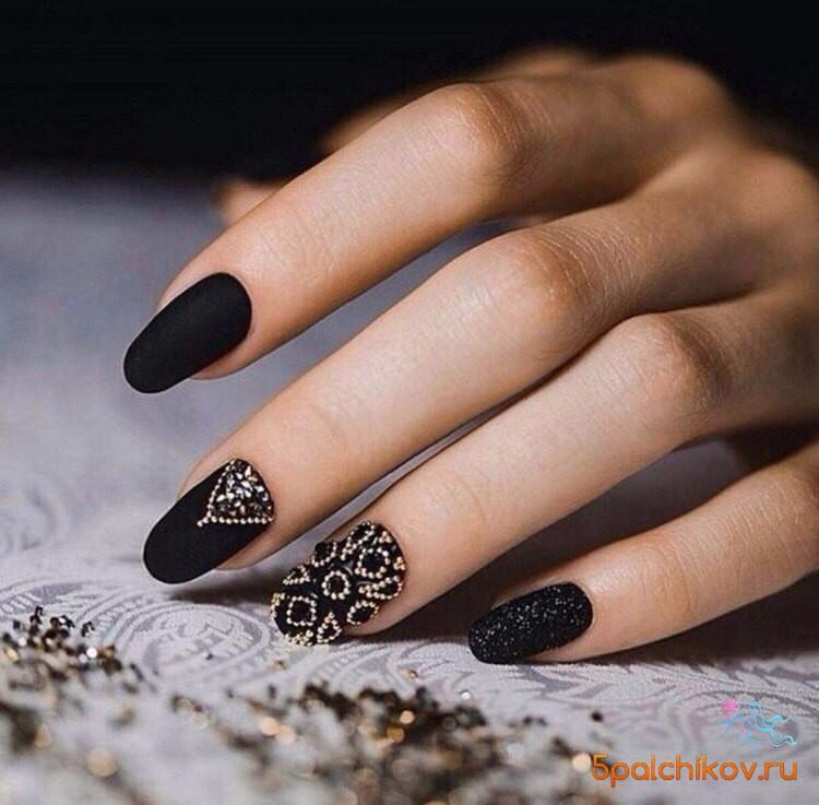 ногти с фото с черным рисунком