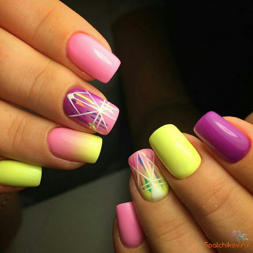 Ногти дизайн с желтым и розовым 5