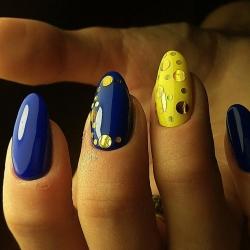 Паетки на ногти