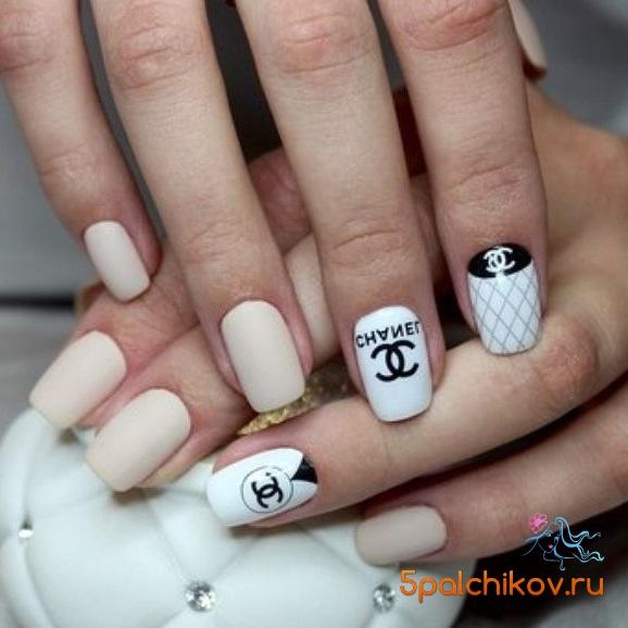 Ногти в стиле шанель