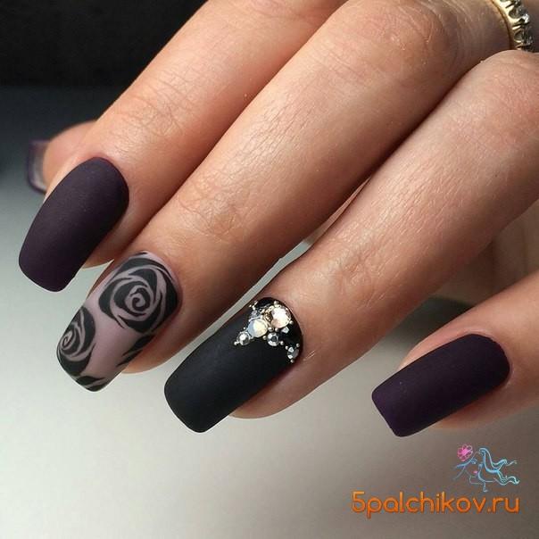 Дизайн ногтей черный матовый с блестками