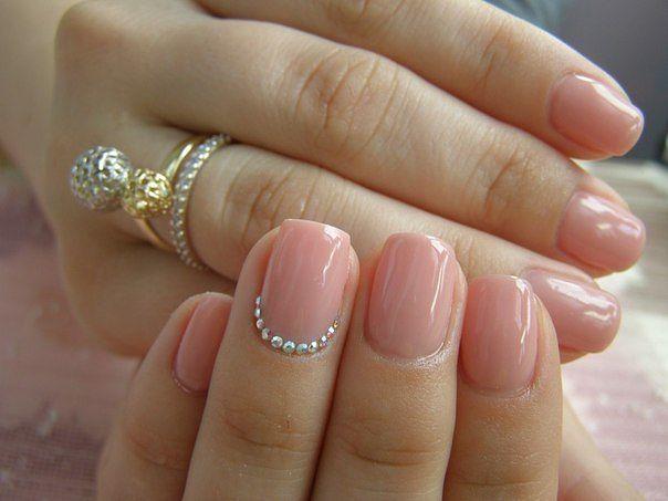 Дизайн натуральных ногтей френч